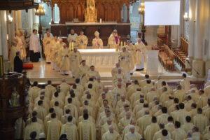 Wielki Czwartek: Msza Krzyżma @ Katedra pw. Opieki NMP w Radomiu | Radom | mazowieckie | Polska