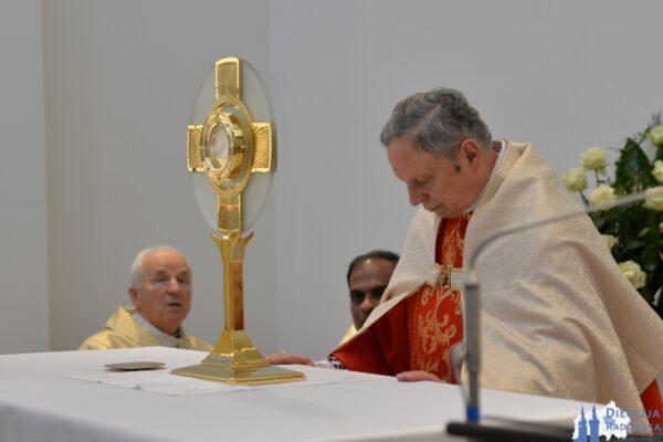 Adoracja kapłańska w Kaplicy Wieczystej Adoracji @ Kaplica Wieczystej Adoracji pw. św. Jana Pawła II w Jedlni-Kolonia | Pionki | Mazowieckie | Polska