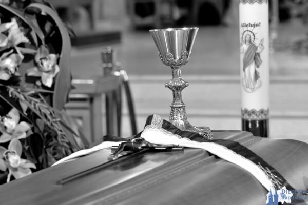 Pogrzeb śp. ks. kan. Wacława Ścierskiego @ Parafia pw. MB Częstochowskiej w Przyłęku | Mazowieckie | Polska